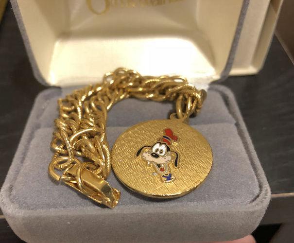 Vintage Goldtone Disneyland Bracelet Goofy Charm for sale in Orem , UT