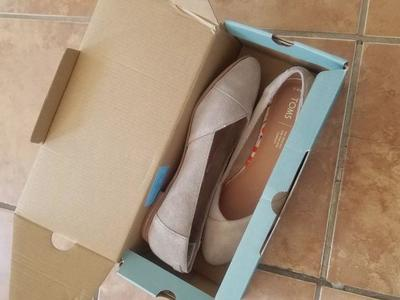 Toms woman shoes