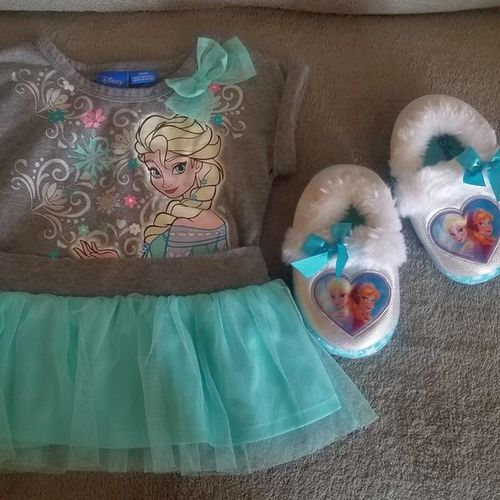 Disney Frozen Shirt with tutu and slippers  for sale in West Jordan , UT