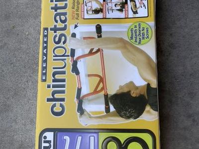 New Elevated Chin-Up Station Red