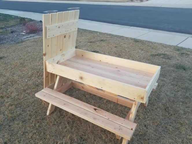 Kids Picnic Table and Sandbox *Free Delivery for sale in Eagle Mountain , UT