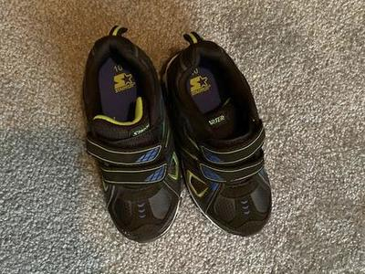 Size 10 Boys Tennis Shoe