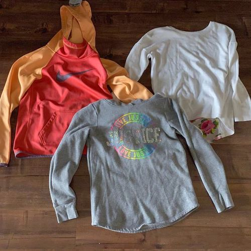 Sweatshirt And Long Sleeve for sale in Centerville , UT
