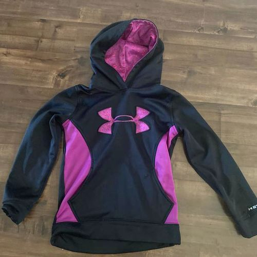 Under Armour Hoodie Size XS for sale in Centerville , UT
