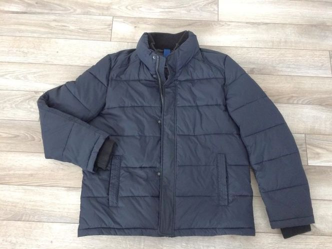 NAVY BLUE COAT Size Medium for sale in Woods Cross , UT