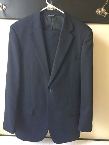 Mens Navy suit, poly/wool, great condition 40L 34W for sale in Alpine , UT