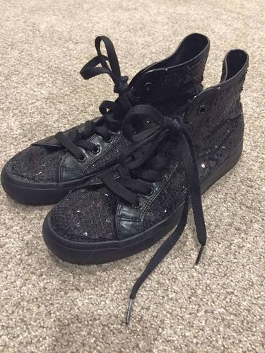 Black High Top Shoes  for sale in Kaysville , UT