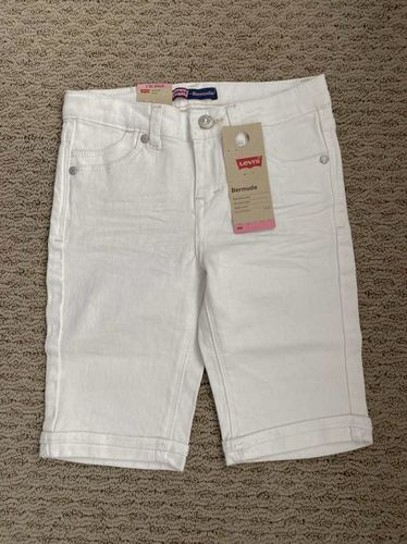New Girls White Levi Bermuda Shorts Size 8 for sale in North Salt Lake , UT