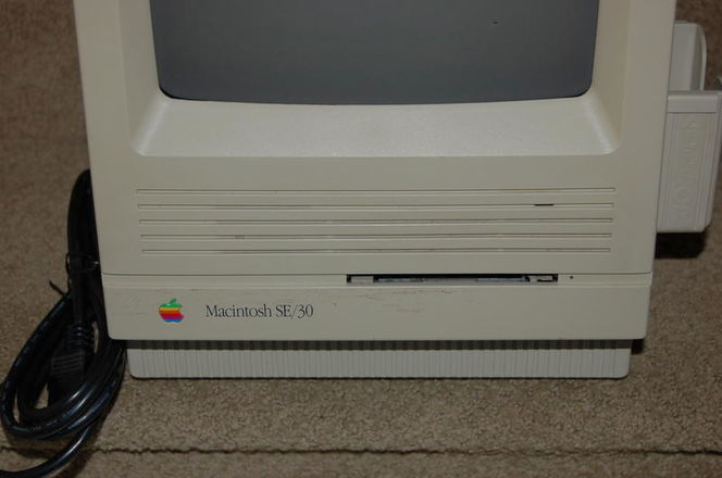 CLASSIC ANTIQUE MACS / SE 30 and Performa 6320cd for sale in Provo , UT