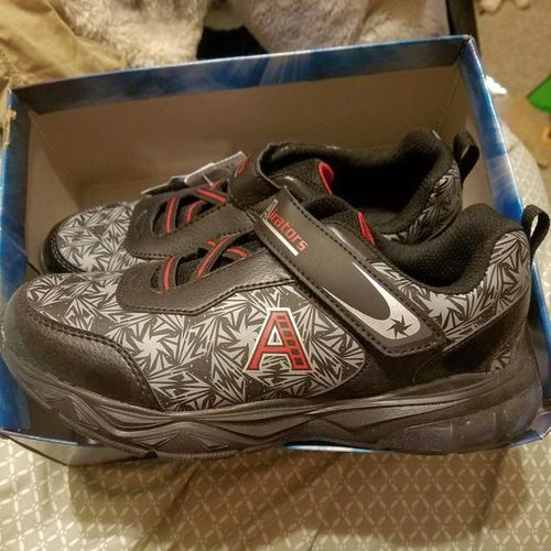 New Boys 3.5 shoes NWT Black for sale in West Jordan , UT