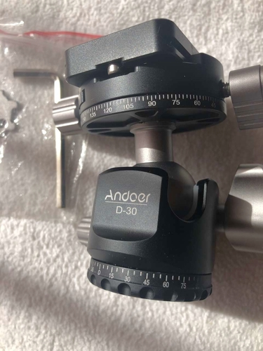 Andoer D-30 Panorama ball head mount with case Brand new for sale in Provo , UT