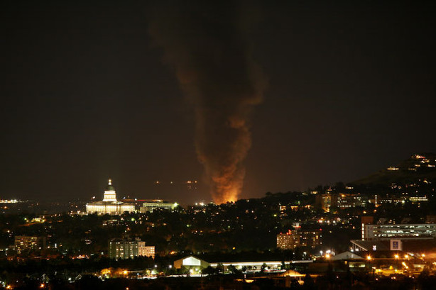 Salt Lake City Refinery Fire Lights Up Night Sky Ksl Com