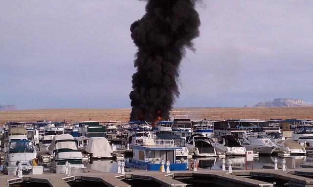 Fire Destroys Houseboats In Lake Powell Marina Ksl Com