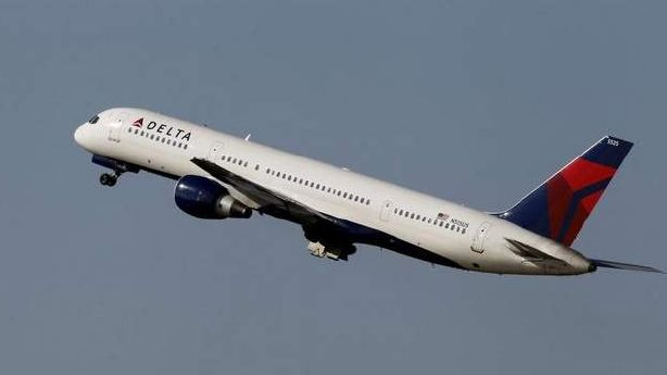 Dad made to pay $88 to guarantee seat by toddler daughter on Delta flight