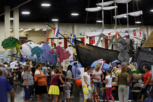 Thousands Get Days Of 47 Parade Sneak Peek At Float Party