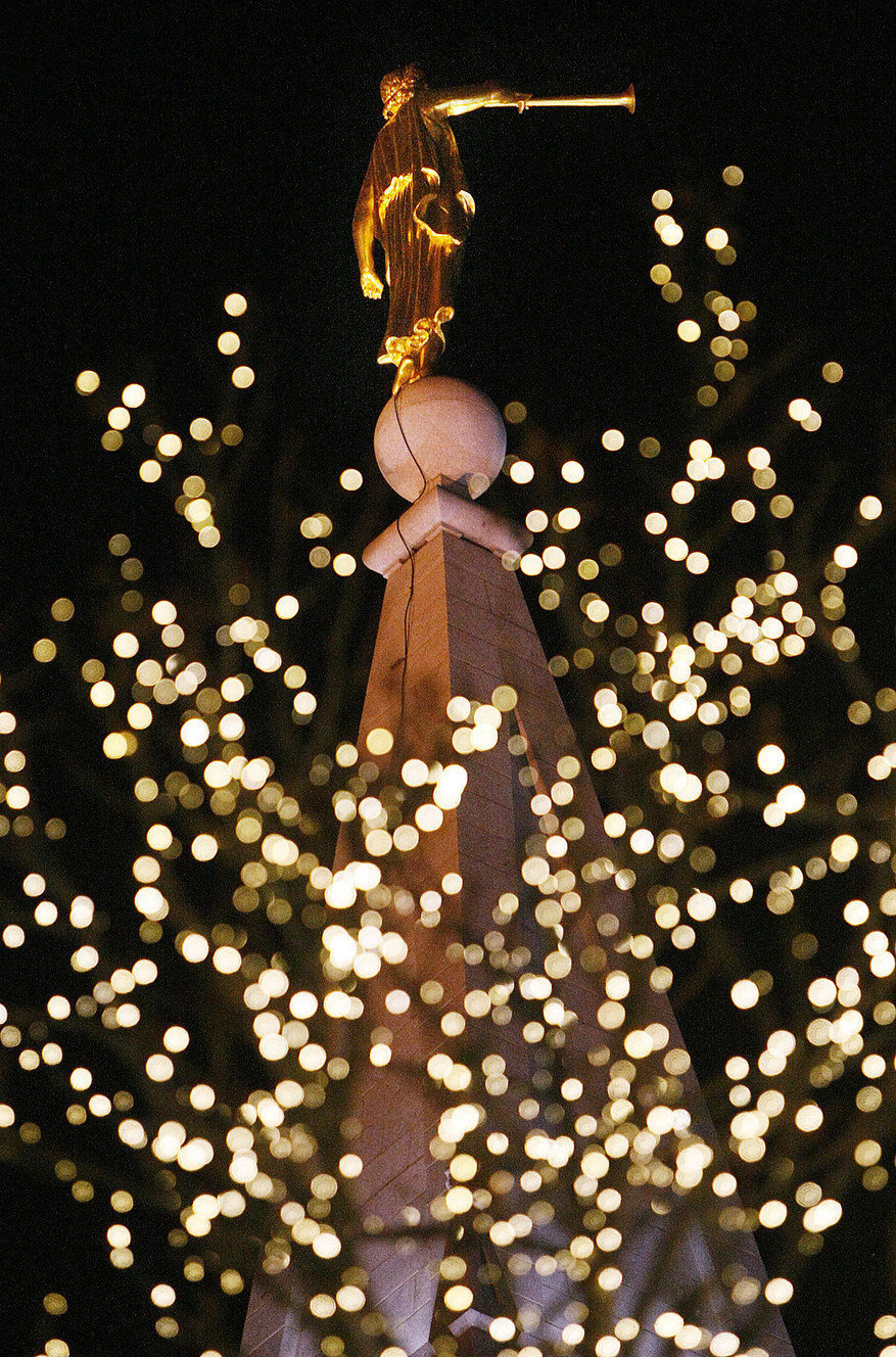Temple Square lights up for Christmas, rekindling traditions old and ...
