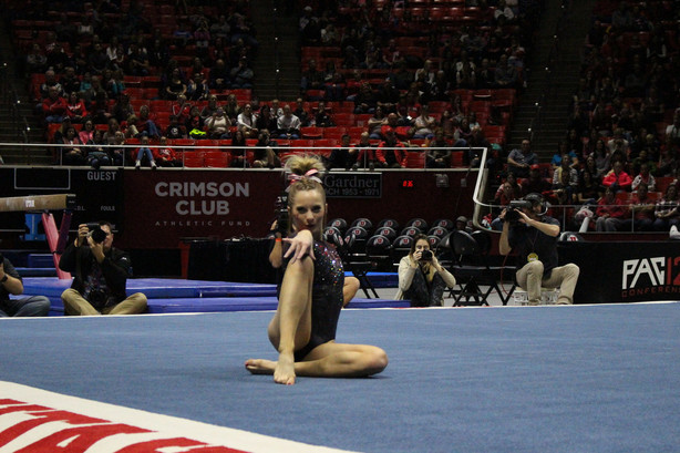 Utah gymnastics impress in preseason preview | KSL.com