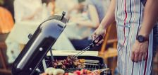 4 tips to help your family eat healthy while on vacation this summer