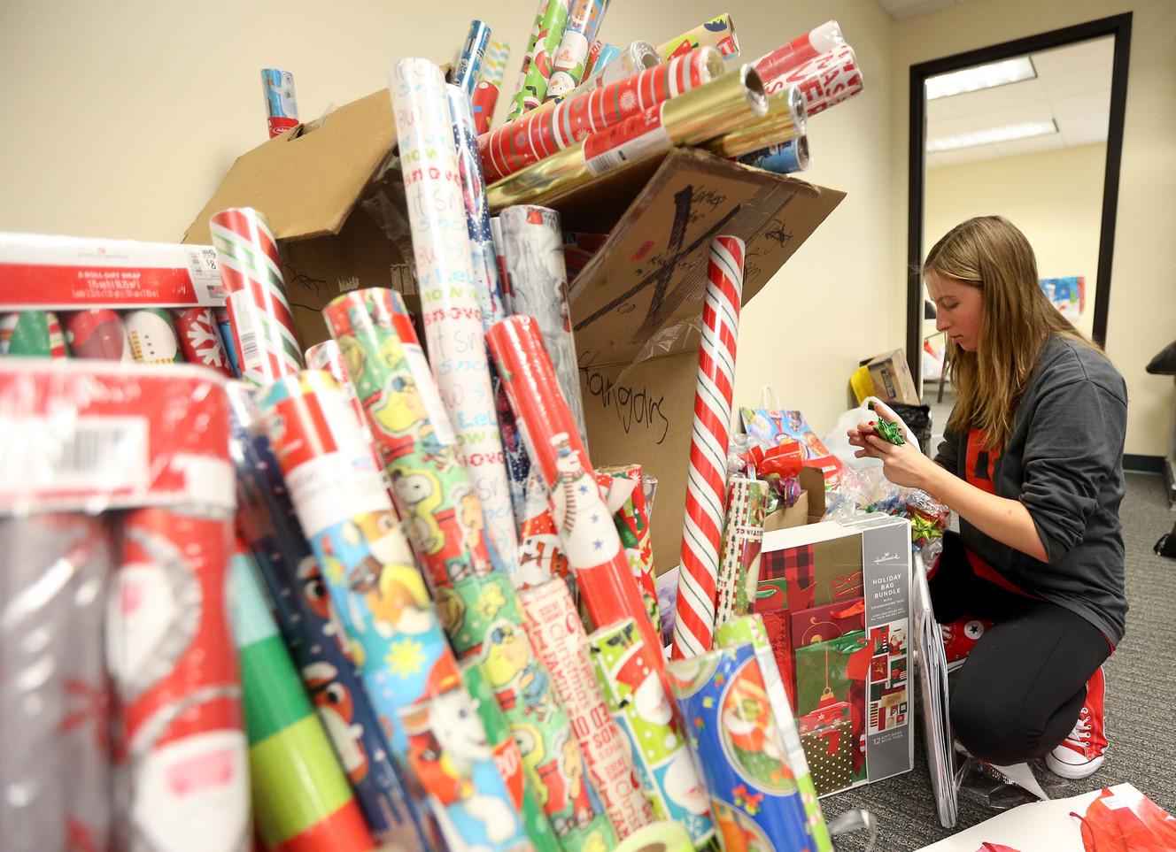 Holiday gift drive gives 1,500 kids Christmas presents   KSL.com