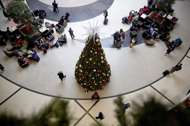Airlines Inch Back To Normalcy After Airport Blackout KSLcom - The 6 busiest north american airports at christmas