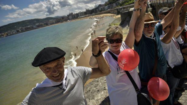 a8708e1368 Spain  Thousands form human chain for Basque secession vote