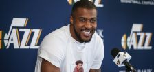 Derrick Favors signs 2-year contract to stay with Utah Jazz