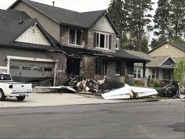 Pilot Dies After Crashing Plane Into His Own Home Police Say Ksl Com