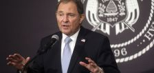 Utah to stay at yellow, low-risk COVID-19 level, governor announces