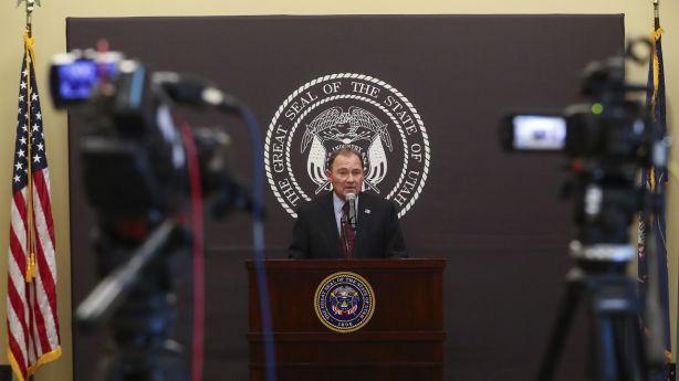 'Red flag warning': Gov. Herbert concerned as Utah sees record-high 911 new COVID-19 cases - KSL.com