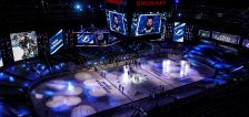 'Hit 'em!' Stars hammer Tampa 4-1 to open Stanley Cup Final