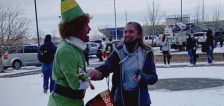 Have You Seen This? Dad goes full 'Elf' to embarrass daughter at school