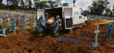 Global COVID-19 death toll hits 2 million