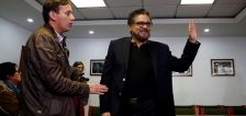 Social networks clamp down on Colombian FARC dissident accounts