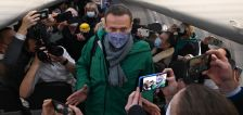 Alexey Navalny detained on return to Moscow 5 months after being poisoned
