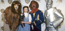 'Wizard of Oz' remake planned with 'Watchmen' director