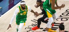 Donovan Mitchell scores 37 as the Jazz win 23rd straight at home