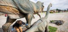 Dinosaur drive-thru exhibit Jurassic Quest stomps into Utah