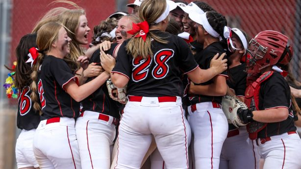 State softball: Grantsville celebrates twin titles with 4th consecutive 3A championship; Enterprise back-to-back in 2A