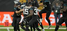 Locals in the NFL: Aggies' Nevin Lawson celebrates 1st career INT as Jaguars stop 20-game slide