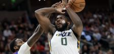 Swollen cheek doesn't stop Eric Paschall from playing pivotal role in Jazz win over Nuggets